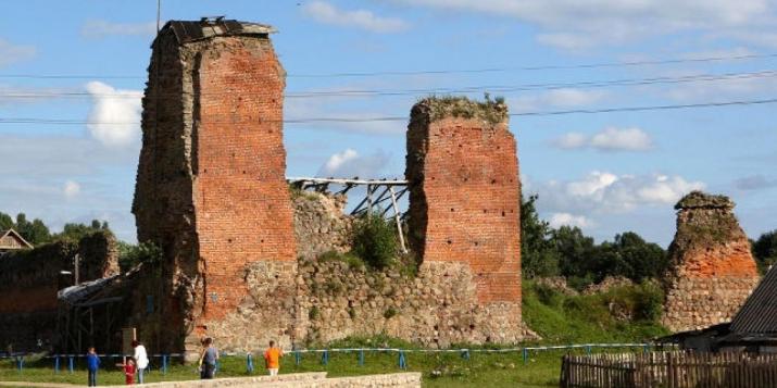 Вылучаць грошы на Косаўскі палац, Гальшанскі і Крэўскі замкі? А як жа Ружанскі палац?