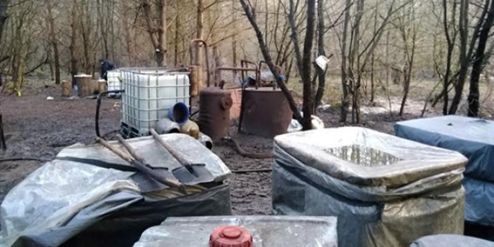 В лесах на границе Пружанского и Свислочского районов найден самогонный мини-завод