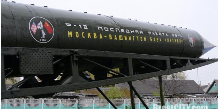 Приграничье, в том числе и Пружаны, «украшают» старой военной техникой. Местные: «Зачем?»