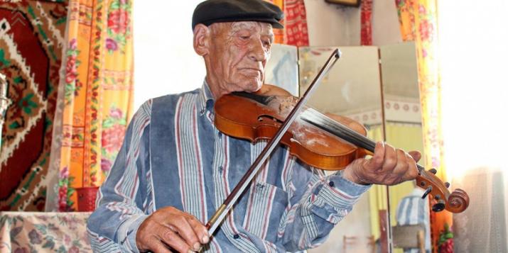 87-летний скрипач: операцию мне делали в Пружанком районе и оставили 3 трубки, их обнаружили на УЗИ