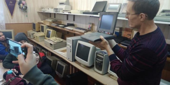 Фоторепортаж с музейной экспозиции вычислительной техники Линовской школы