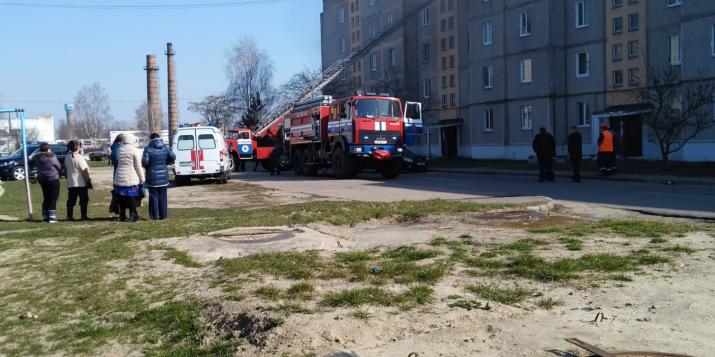 Сегодня, 26 марта, в Пружанах случился пожар в многоквартирном доме по адресу Заводская 5