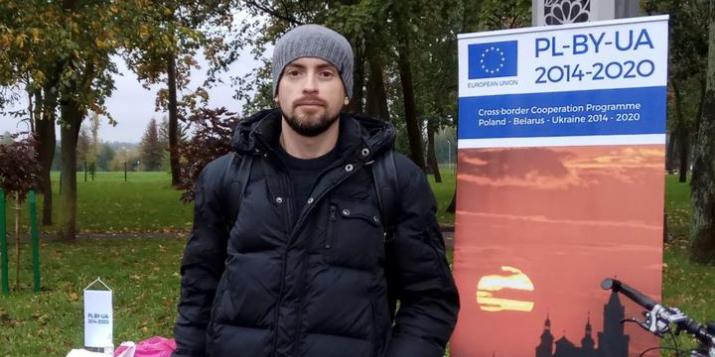 Бастовавший соцработник из Пружан, которого уволили, подал в суд на работодателя. Решение суда: