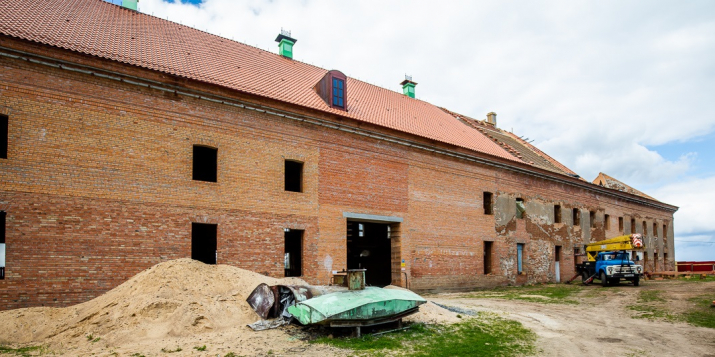Как отстраивают «Белорусский Версаль»: посмотрели на восстановление Ружанского замка и сравнили