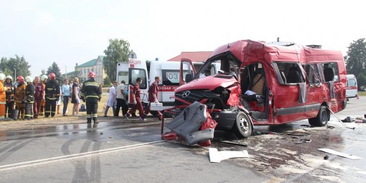 За ДТП в Видомле с одной погибшей и 11 пострадавшими водитель получил 4 года колонии-поселения