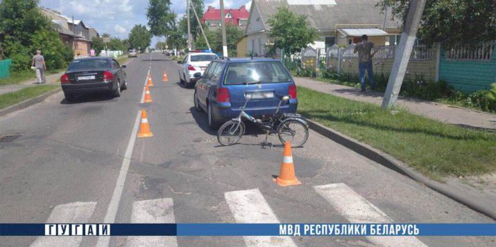 Двигаясь задним ходом на перекрёстке Красноармейской и Свободы в Пружанах авто сбило велосипедистку