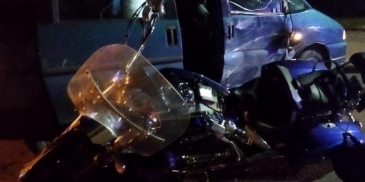 В Пружанах «Пежо» совершило столкновение с мотоциклом «Ямаха». Мотоциклист госпитализирован