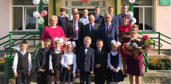 Герой Беларуси и почетный гражданин Пружанского района Пётр Прокопович посетил Мокровскую школу
