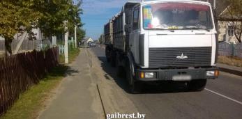 В Пружанском районе под колесами «МАЗа» погиб велосипедист