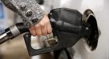 С 14 апреля в Беларуси снова дорожает бензин. Представляем инфографику, как менялась цена.