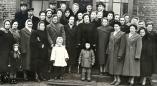 """Опубликованы фотографии из """"белорусской народной школы города Пружаны"""", в т.ч. от 1 января 1944 г."""