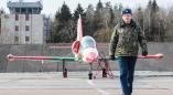 Уроженец Жаден гвардии подполковник Александр Бобрук руководит подготовкой боевых самолётов в Лиде