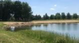 На городском бассейне Пружан насыпали пляж? Фотофакт