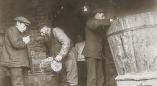 Внутренний вид мельницы в Пружанах в начале ХХ века и другие исторические фото мельниц в Беларуси