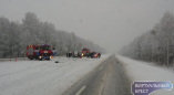 Автомобили в кювете, трассы в снегу, гололедица: все перепетии в Брестской области