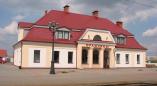 В Оранчицах из поезда Минск — Брест скорая забрала парня: он посинел и ему стало трудно дышать