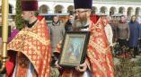 Вчера в Пружанах было много гостей: фоторепортаж с архиерейского богослужения и крестного хода