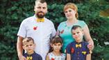"""Як дапамагчы шматдзетнай сям'і з Пружанскага раёну, бацьку з якой затрымалі па """"карагоднай"""" справе"""